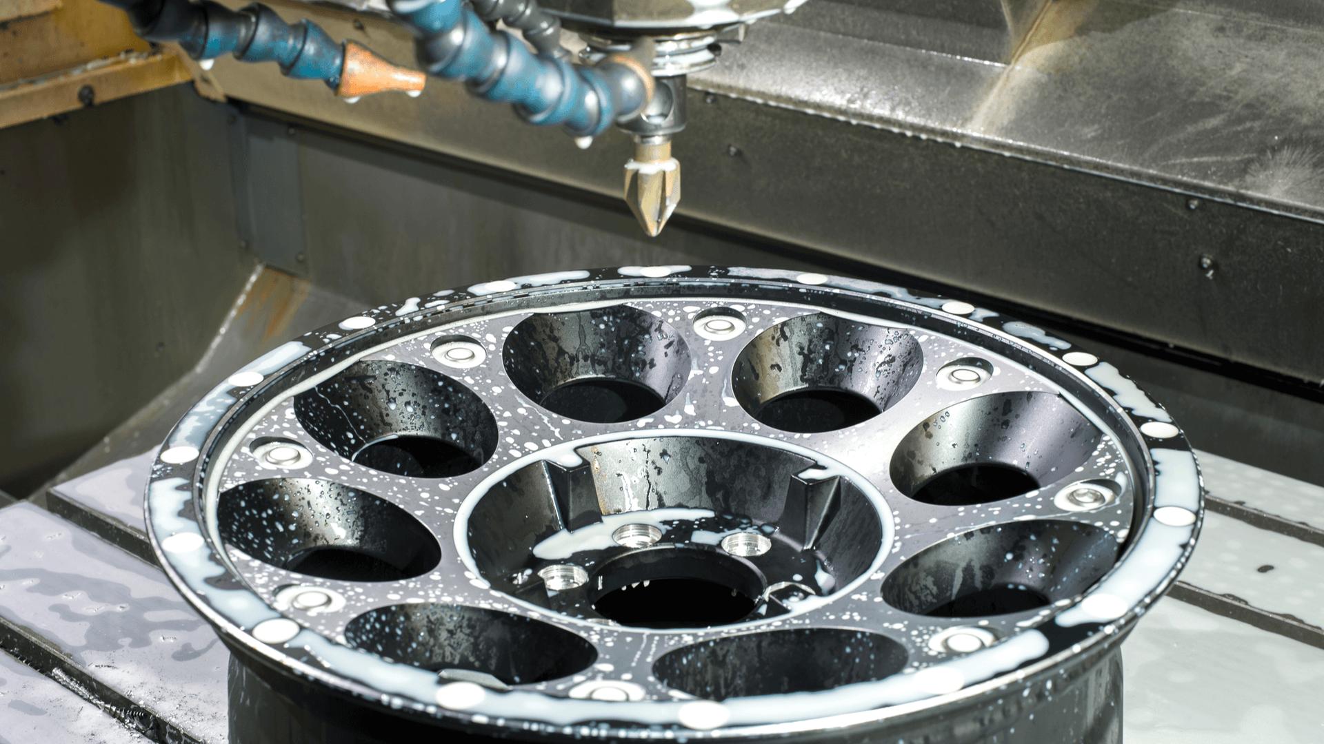 Glanzdrehen an der CNC-Maschine
